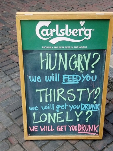hilarious-bar-signs-that-will-definitely-get-you-in-10-cracked-me-up-lol-05